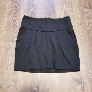 BLACK PEGGED MINI SKIRT WITH POCKETS XS/S/2